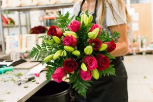 Getting the finest flower delivery service online
